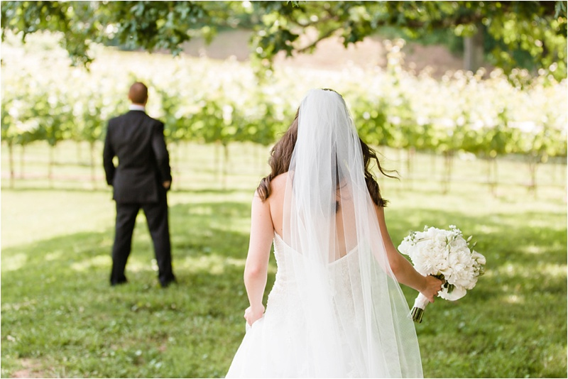 Anna_K_Photography_ANNA_SHACKLEFORD_Monteluce_Winery_Summer_Wedding__0007