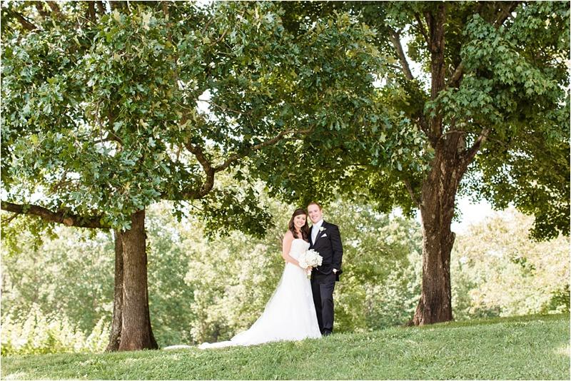 Anna_K_Photography_ANNA_SHACKLEFORD_Monteluce_Winery_Summer_Wedding__0010