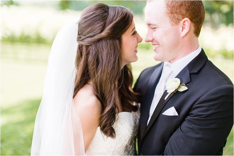 Anna_K_Photography_ANNA_SHACKLEFORD_Monteluce_Winery_Summer_Wedding__0012