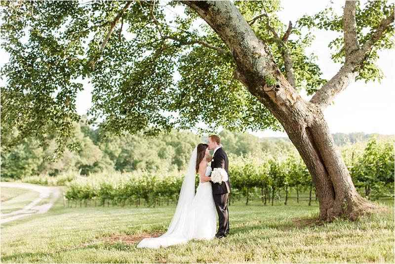 Anna_K_Photography_ANNA_SHACKLEFORD_Monteluce_Winery_Summer_Wedding__0045