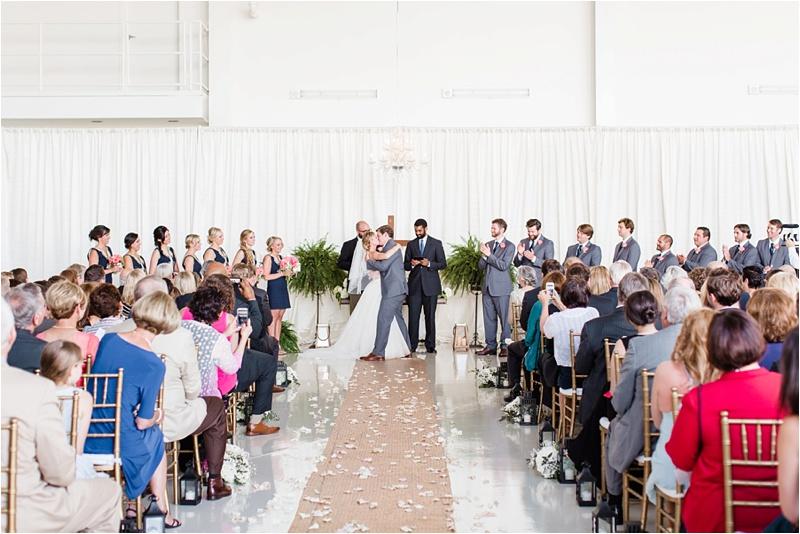 Anna_K_Photography_lilly_pulitzer_airplane_hangar_wedding_Wedding_Photographer_Athens_Atlanta_0036
