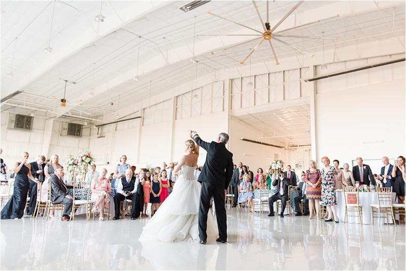 Anna_K_Photography_lilly_pulitzer_airplane_hangar_wedding_Wedding_Photographer_Athens_Atlanta_0049