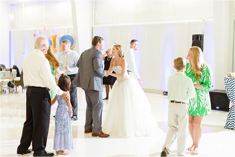 Anna_K_Photography_lilly_pulitzer_airplane_hangar_wedding_Wedding_Photographer_Athens_Atlanta_0055