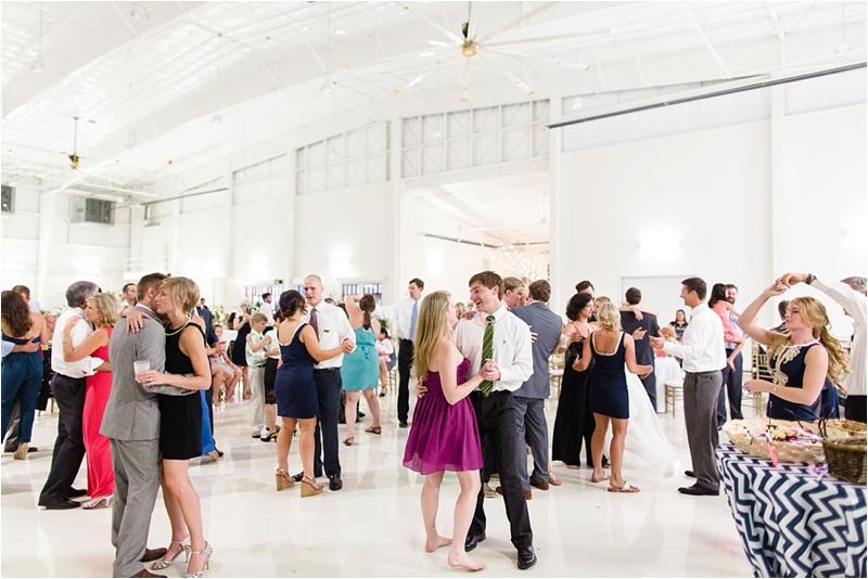 Anna_K_Photography_lilly_pulitzer_airplane_hangar_wedding_Wedding_Photographer_Athens_Atlanta_0057