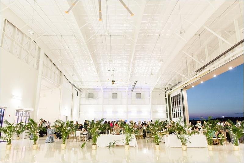 Anna_K_Photography_lilly_pulitzer_airplane_hangar_wedding_Wedding_Photographer_Athens_Atlanta_0058