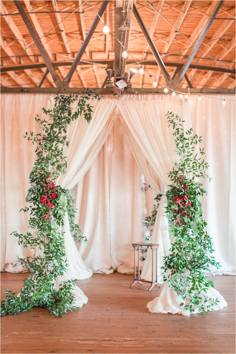 Anna_Shackleford_Summerour_Studio_Atlanta_Georgia_Wedding_Photographer_Venue_Christmas_Elegant_Holiday_Red_Bouquets_Bloomin_0019