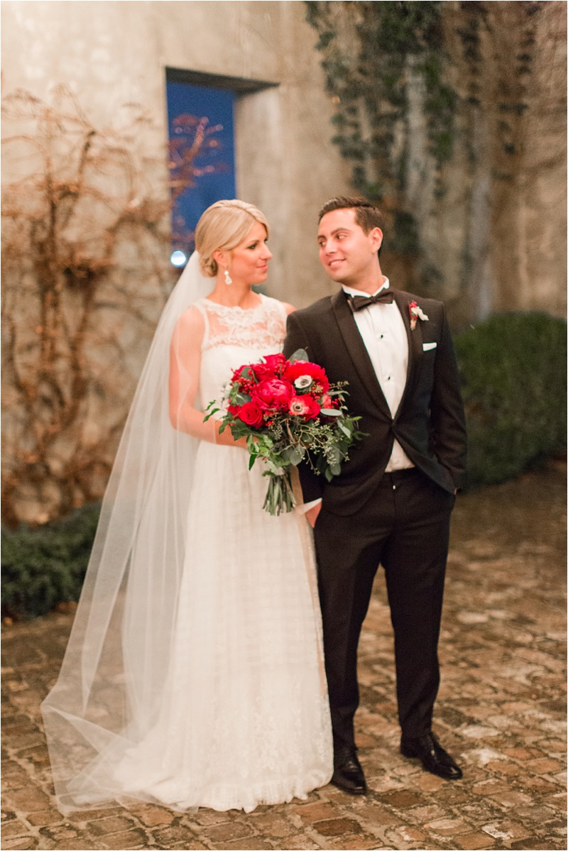 Anna_Shackleford_Summerour_Studio_Atlanta_Georgia_Wedding_Photographer_Venue_Christmas_Elegant_Holiday_Red_Bouquets_Bloomin_0038