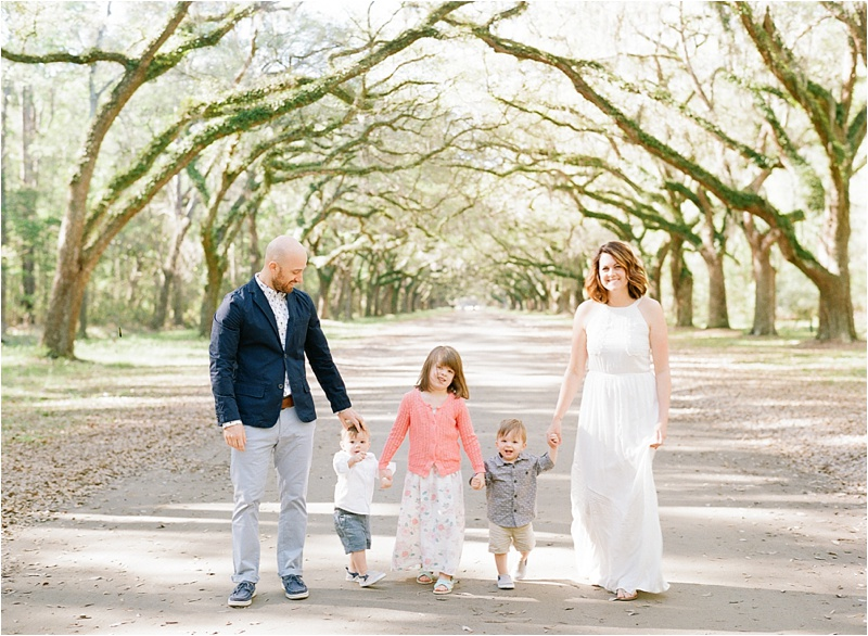 Anna_Shackleford_Fine_Art_Family_photography_Savannah_Wormsloe_Plantation_Oak_Trees_Avenue_0003